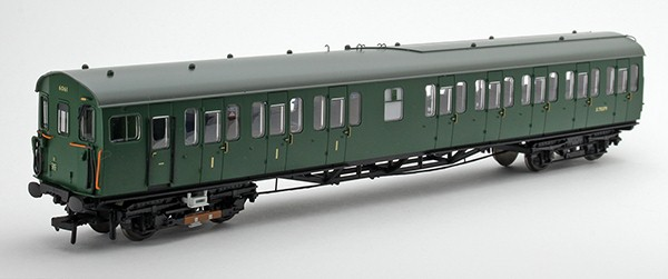 Bachmann 31-390 Unit 6061 in BR green MBSO three quarter view