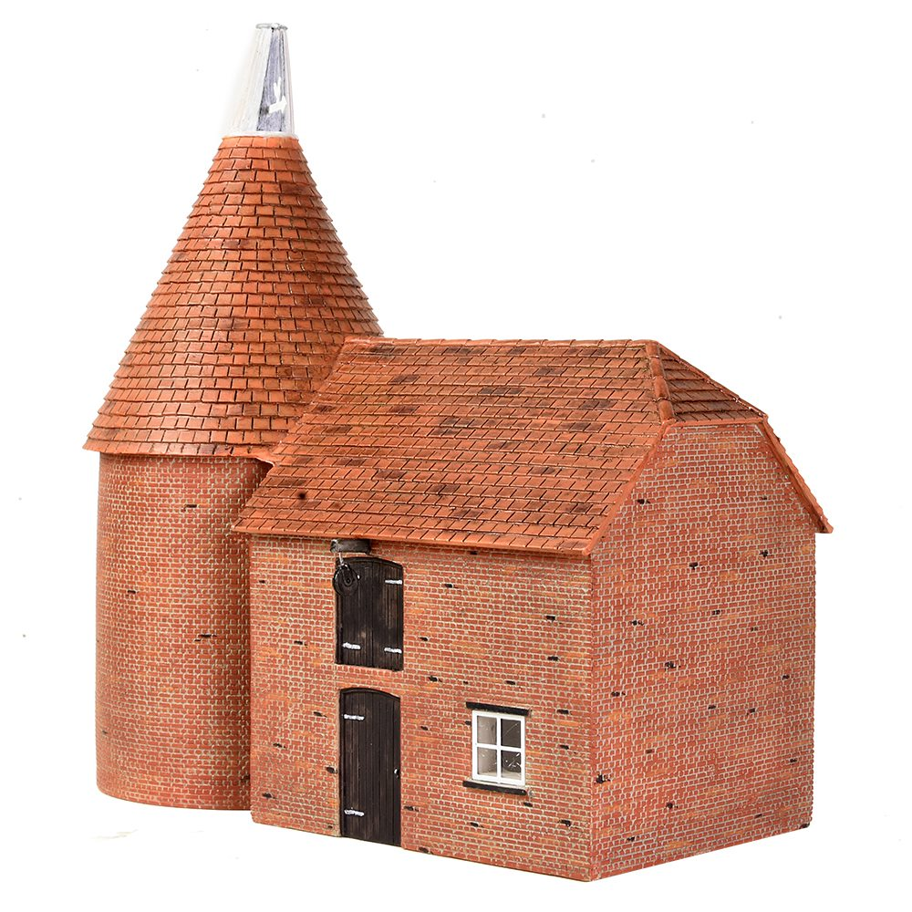 three quarter view photograph of bachmann's 44-0146 Oast House resin model